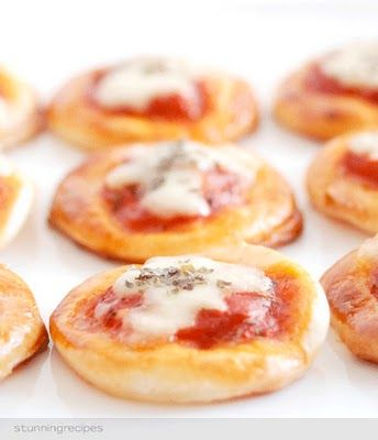 mini pizzas.