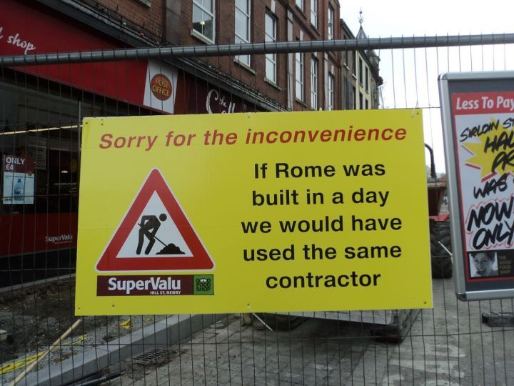 Funny construction sign work painting pinterest nu for Day office roma
