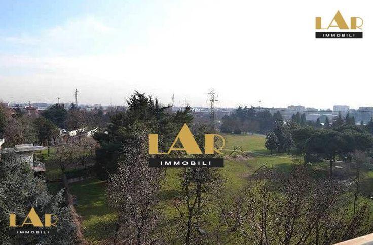 Продажа Квартира в Милане имеет замечательную инфраструктуру: рядом