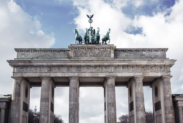 Brandenburger Tor | Brandenburg Gate in Berlin | Moonlight Bohemian