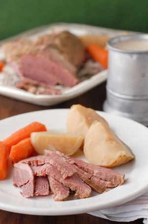 Mouthwatering Slow Cooked Corned Beef and Cabbage   AllFreeSlowCookerRecipes.com