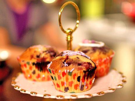 Muffins med blåbär, choklad och marshmallows | Recept från Köket.se