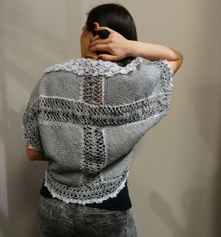 Detalle de las espalda, tejido en bastidor colombiano y horquilla. Terminaciones en crochet