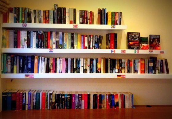 In autumn mood with a book from our new mini bookcase! Im Herbst Stimmung mit einem Buch aus unserer neuen Mini-Bücherregal! Σε φθινοπωρινή διάθεση με ένα βιβλίο από τη νέα μας μίνι βιβλιοθήκη! www.alianthos.gr - info@alianthos.gr