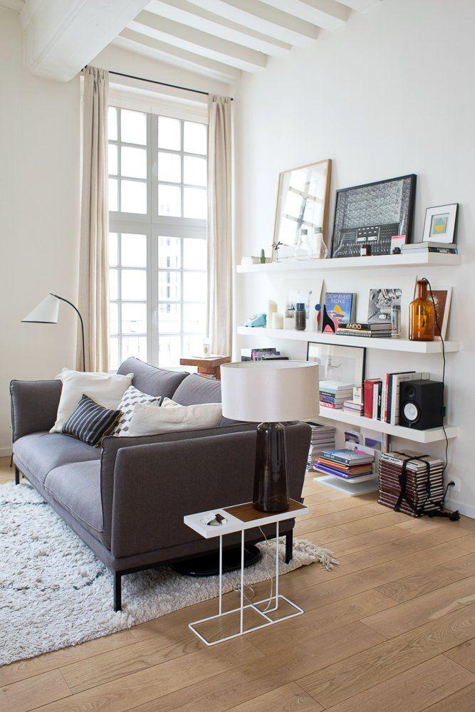 Laetitia, Paris 3ème - Inside Closet