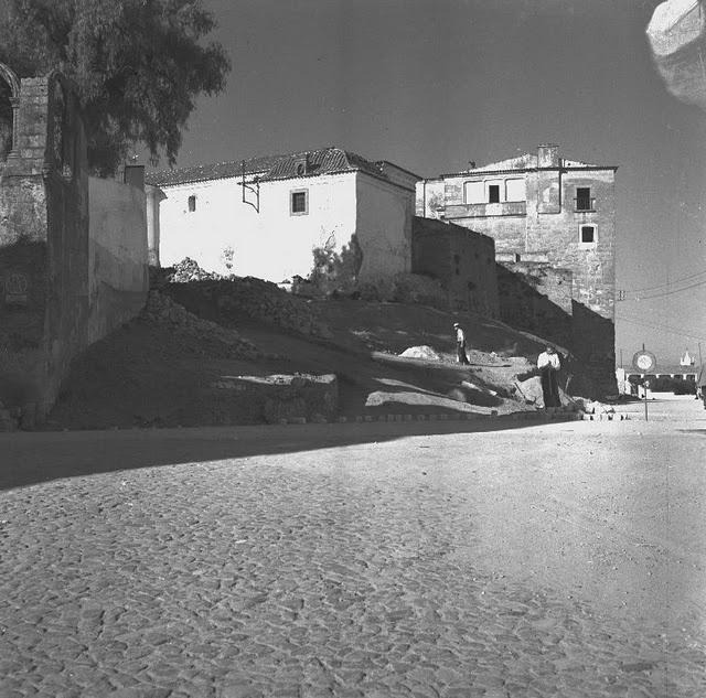 Data Fotografia 1953 - 1955  Legenda Largo dos Colegiais durante a intervenção