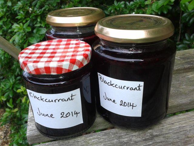 Blackcurrant Jam recipe - no pectin