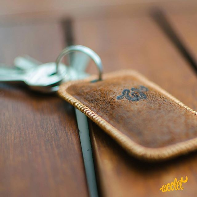 The nice gadget for all forgetfuls  Get your Woolet by clicking the link in my bio (profile) @wooletco 💛 DoubleTap, Comment & Tag your friend who needs one!  #wallet #smartwallet #leather #smartwear #wearables #leathergoods #blackwallet #brownwallet #wallettracker #fashionaccessories #accessories #keytracker #keyfinder #iphonecover #iphone #apple #iphoneaccessories #wirelesscharger #rfidblocker #rfidwallet