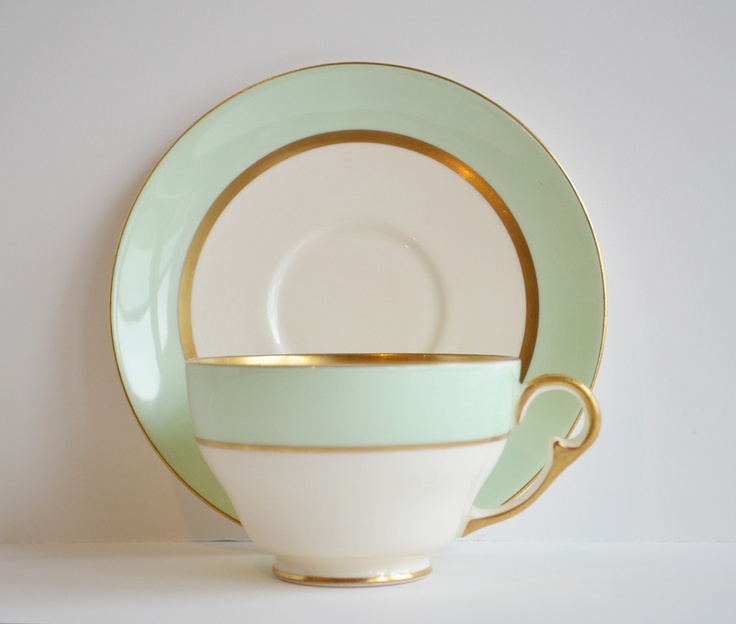 Set of 11 Tiffany-Style Tea Cups from Dinner Party