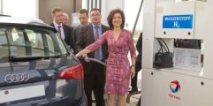 Green hydrogen facility opens at Berlin airport, with first refueling of fuel cell vehicle - Renewable Energy Focus