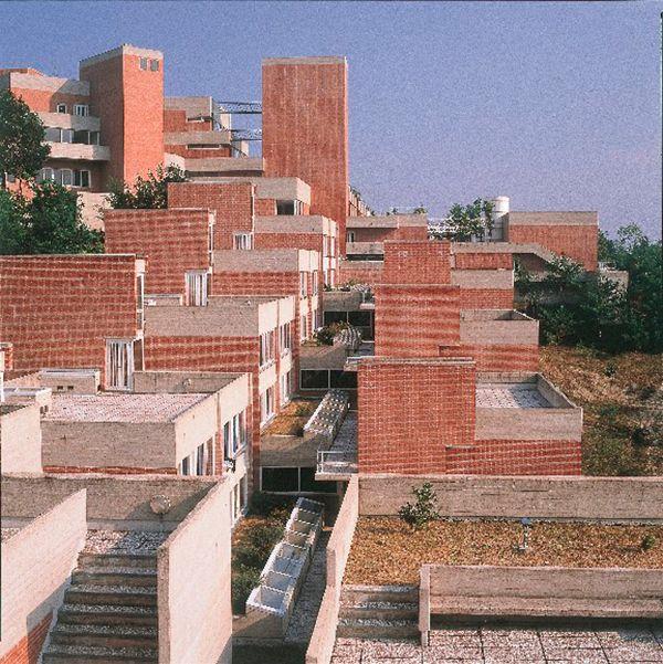 """Università degli Studi di Urbino Carlo Bo """"Collegi"""" buildings, Giancarlo De Carlo, 1962–1982, Urbino, Italy"""