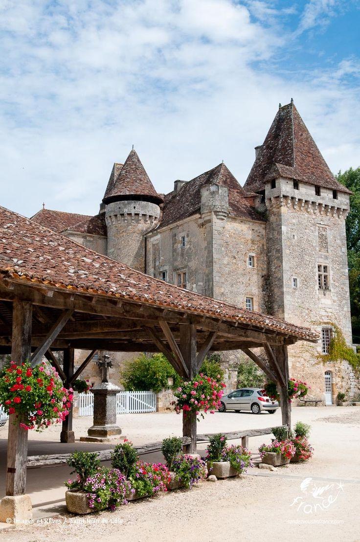 Destinos románticos en Francia: Los pueblos más bellos de Francia en Dordoña-Périgord. Saint-Jean-de-Côle