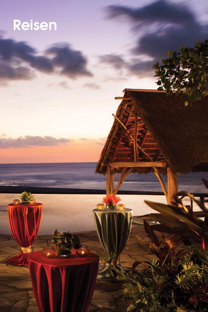 Four Seasons • Willkommen im Four Seasons Resort Hualalai at Historic Ka'upulehu.  Nach seiner stilvollen Auffrischung bietet dieses tropische Naturparadies noch mehr Entdeckenswertes: ein erweitertes Spa, Dinieren am Strand, Fashion-Boutiquen und neue Deluxe-Suiten – sowie einen Jack Nicklaus Signature Golf Course. Direkt am Meer, an der exklusiven Kona-Kohala-Küste von Hawaiis Big Island, versammelt diese Oase alles, was...  Bilderserie anzeigen: http://www.imagesportal.com/home37.php