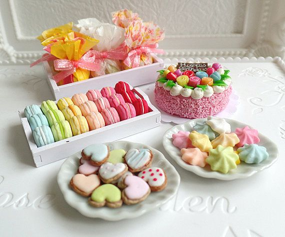 1:6 scale Dollhouse Miniature Party Set, Food, Cake, Cookies, Merinques, Candy, Macarons, Celebration, Gift, Barbie, Blythe, Momoko, BJD