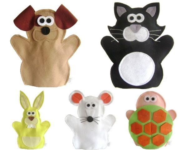 FANTOCHE ANIMAIS DOMÉSTICOS - Abracadabra Fantoches    ITENS: 5 FANTOCHES ( gato, cachorro, tartaruga, rato e coelho).  DESCRIÇÃO: Fantoches com o tema animais domésticos e de estimação.    MATERIAL: Feltro e linha.  DIMENSÕES: 24 x 35 cm, em média cada.  EMBALAGEM: Saco de celofane transparente fechado com adesivo.  DETALHES: 100% de costura à máquina. Pode haver variação de tons e cores.    PRAZO DE ENVIO: Sob consulta. R$ 50,00
