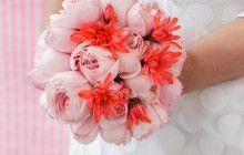 Neon geometric wedding #weddingflowers