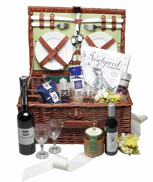 Gift Basket For Bride And Groom Wedding Night: 48 Best Images About Honeymoon Ideas On Pinterest