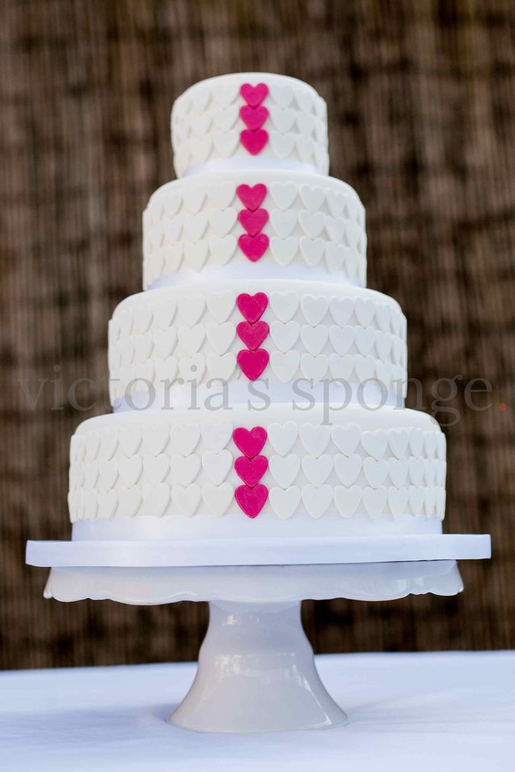 12 best Victoria\'s Sponge Wedding Cakes images on Pinterest | Center ...