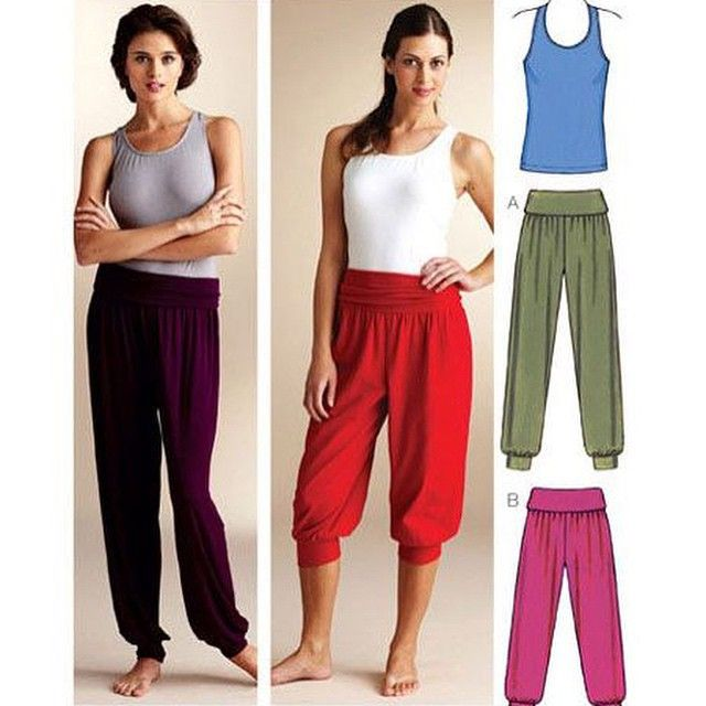 This Kwik Sew yoga pants pattern was one of our most pinned patterns in December. Is more yoga one of your 2015 resolutions? Pattern is K3835. #kwiksew #athleisure #yogapants