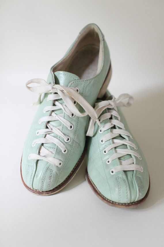 Vintage Women's Size 7 Pale Green Leather Bowling Shoes on Etsy, $49.99