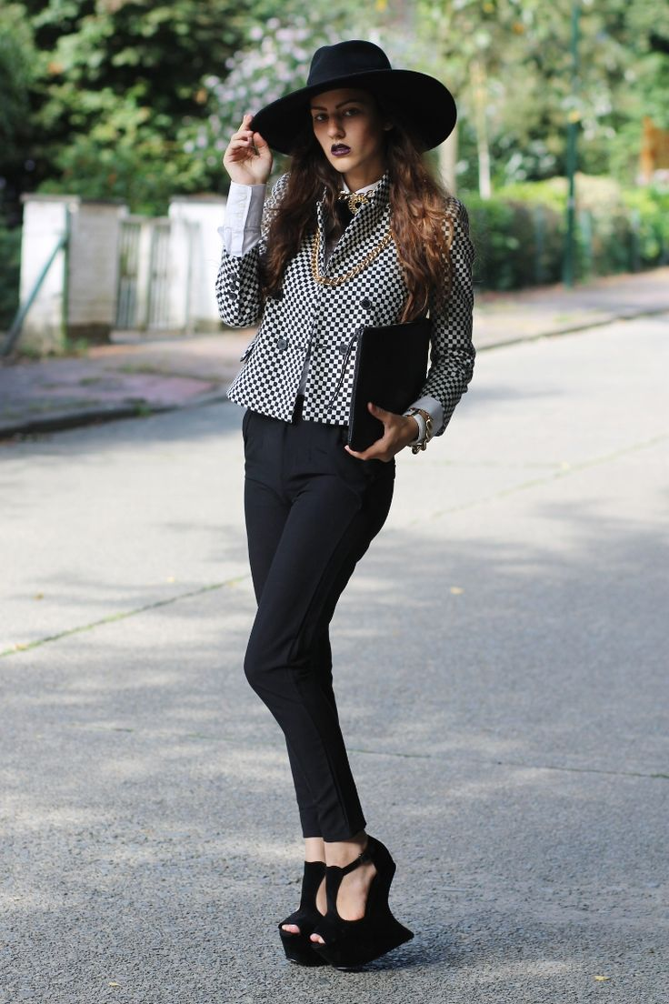 1000 ideas about baroque fashion on pinterest pearl for Modern baroque style