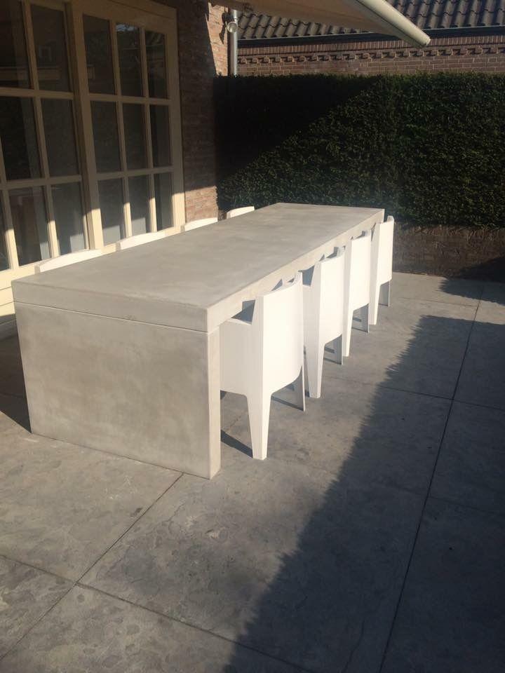 25 beste idee n over betonnen tafel op pinterest betonnen meubilair timmerwerk en beton - Exotisch onder wastafel houten meubilair ...