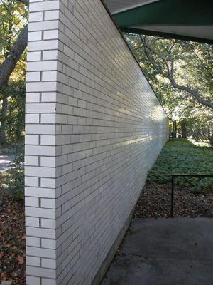 Trikeenan Boneyard Glazed Brick in Avalanche White