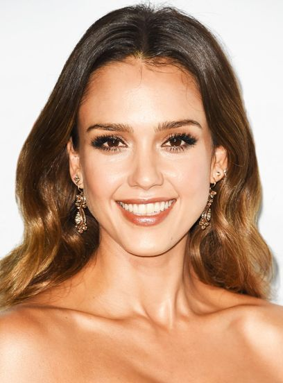 Jessica Alba Made A Video About Her Blonde-Hair Makeover+#refinery29