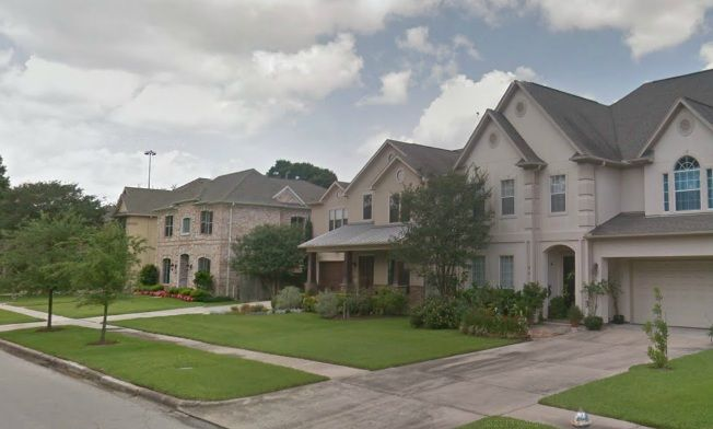 17 best images about central houston inner loop for Small home builders houston