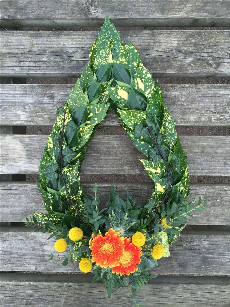 Modern laurel chaplet Military funeral tribute