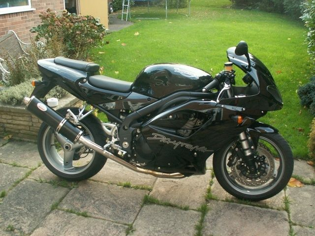 TRIUMPH DAYTONA 955I 97-06  Black Oval Single outlet ROAD LEGAL exhaust #MaxTorqueCans