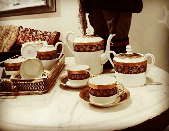 Servicio de café, c. 1930. Porcelana de Limoges. #porcelanaantigua #porcelanalimoges