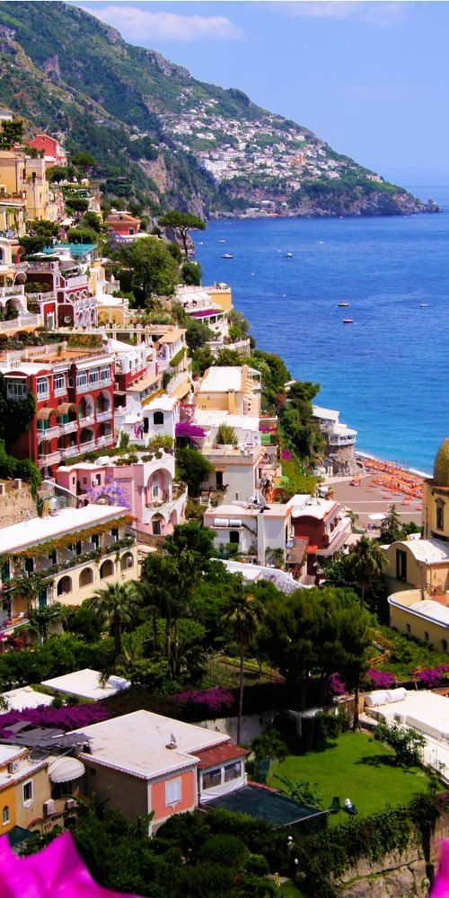 Positano, Italy , I want to live here so bad , it's such a beautiful place to live in and so peaceful .