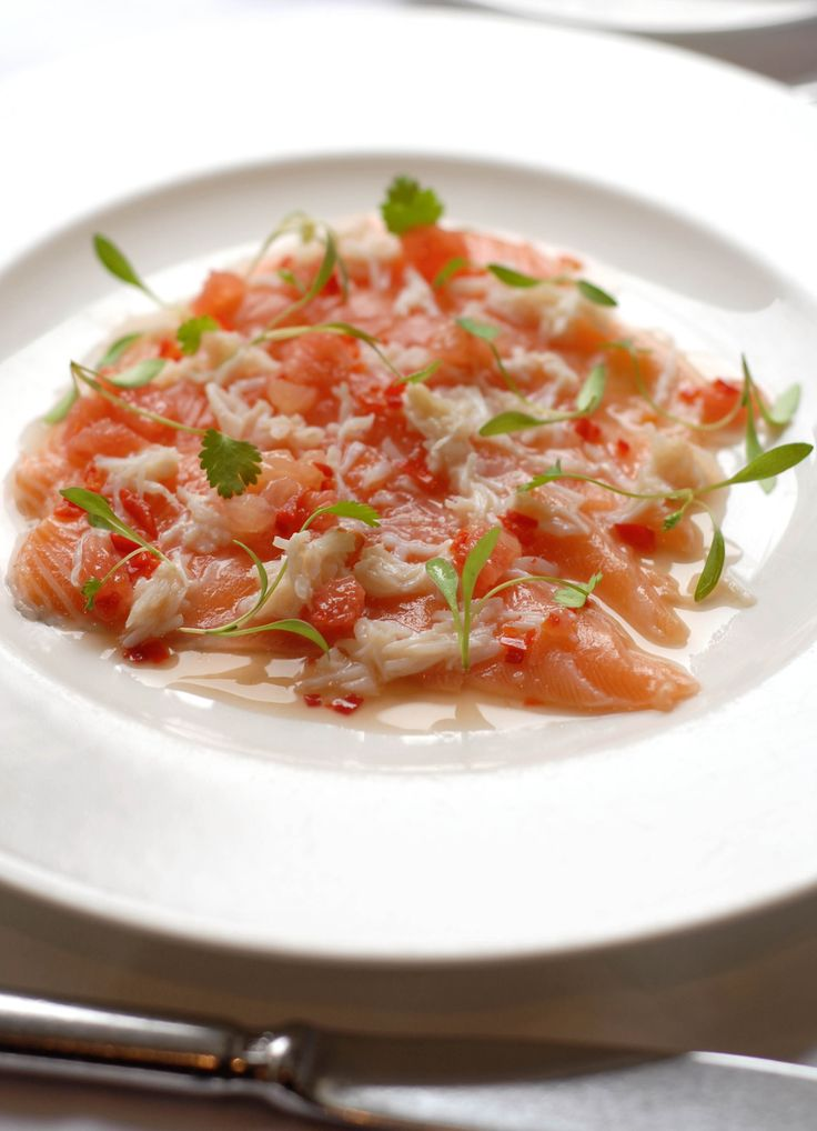 Ceviche of organic salmon and crab with chilli, lime, coriander and grapefruit