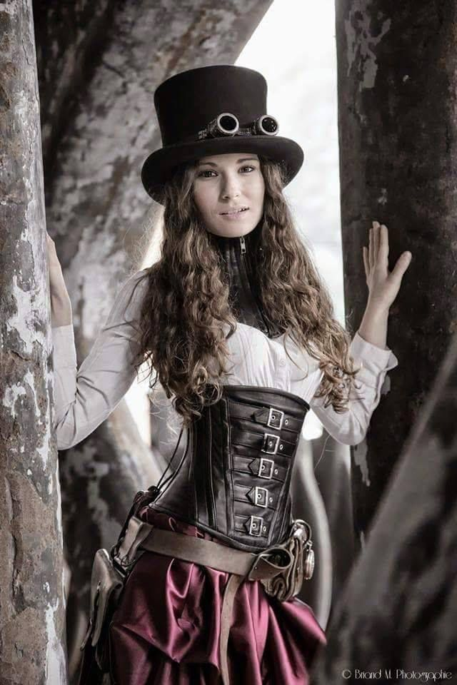 Anohter steampunk character Inspiration for Twyla Janeds. I like this one better, seems younger. IDK why.