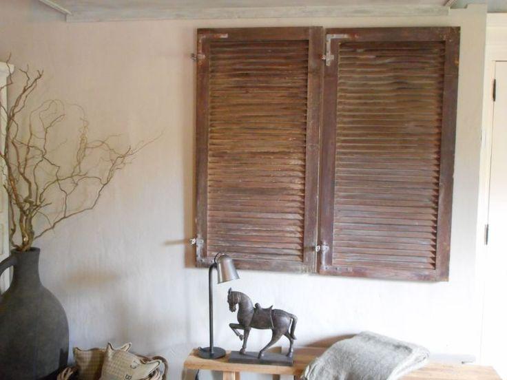 Oude houten luiken