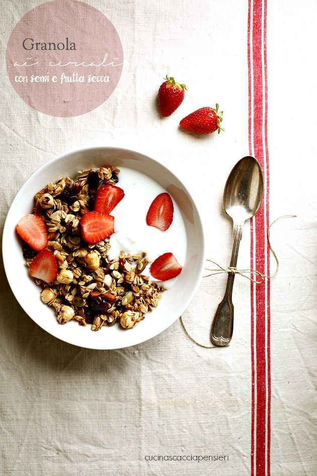Cucina Scacciapensieri: Granola ai cereali senza burro e senza zucchero