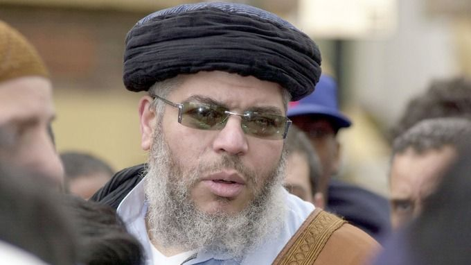 Abu Hamza al-Masri: 'The Americans are trying to kill me slowly'  http://www.doamuslims.org/?p=5122  #America