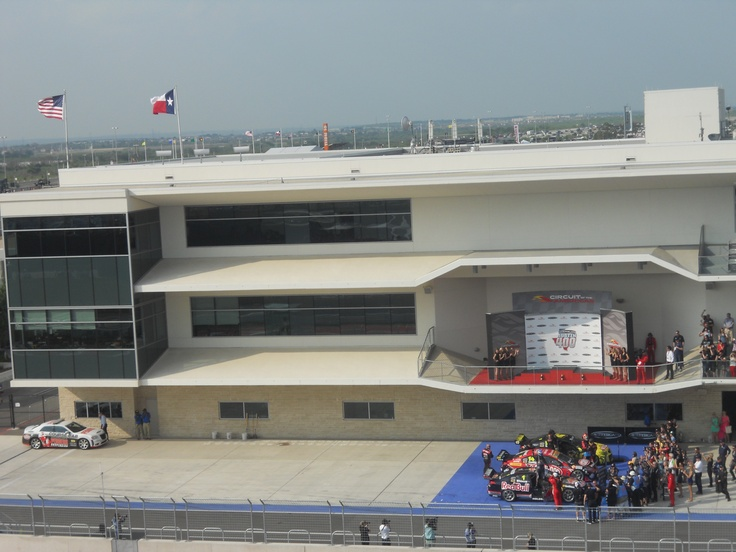 #Austin400 was great, but message to Circuit of The Americas - CENTER THE FLAGS OVER THE WINNERS STAND! #COTAV8 #JustSayin