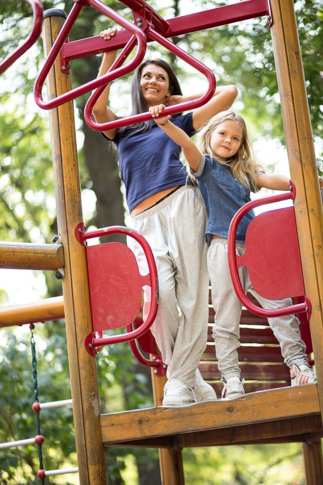Set pantaloni asortati unisex - mama-fiica, mama-fiu, tata-fiica, tata-fiu perfecti pentru familii active. Culori disponibile: gri deschis.