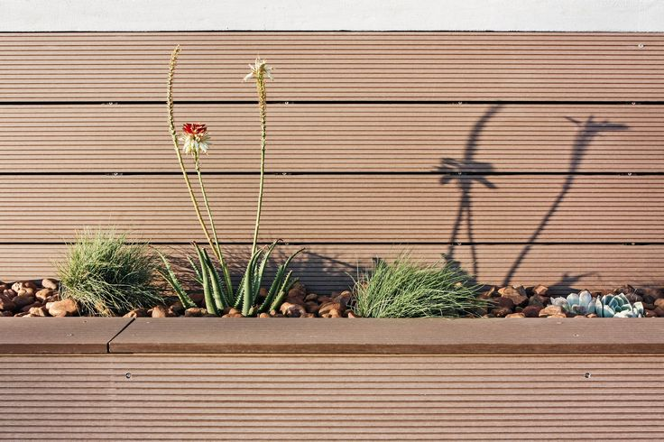 Planter box and #Eva-tech cladding. http://www.eva-tech.com/en/