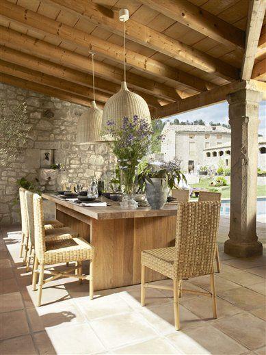 Un porche distribuido en «L» y con piscina · ElMueble.com · Casa sana