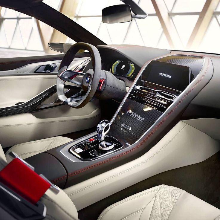 BMW Série 8 Concept 2017 Marca alemã apresenta no Concorso dEleganza de Villa dEste na Itália um conceito antecipa um futuro cupê 22 de luxo que será lançado em 2018. Outro detalhe interessante é a retomada da Série 8 que nos anos 1990 representou modelos esportivos com motores V8 e V12. A BMW não revelou o powertrain do conceito.  No interior o Série 8 exibe um design clean mas luxuoso: o foco é na emoção ao dirigir como bom cupe esportivo. Acabamento tem detalhes em fibra de carbono e…
