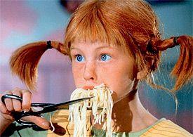 Pippi-isst-Spaghetti-mit-der-Schere-als-Postkarten-Motiv-102.jpg (275×195)