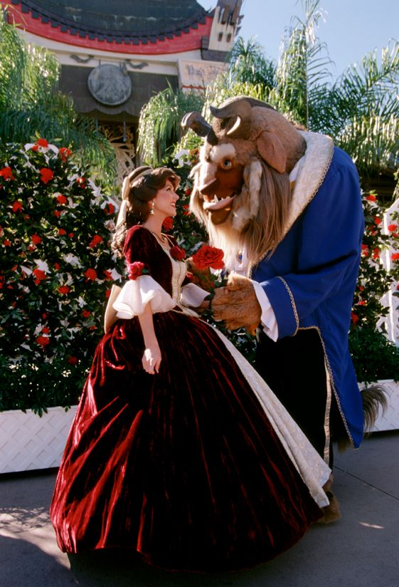 Christmas w/ Belle & Beast. My aunt Dawn would love this!!!!!