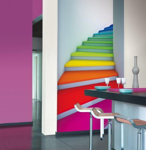 Papeles pintados con imagen de escalera de colores for Papeles pintados vinilicos