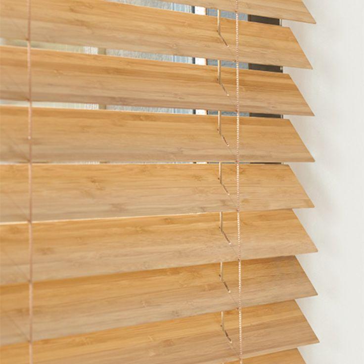 Luxaflex® biedt u een hele reeks mogelijkheden om uw Houten Jaloezieën te personaliseren en zo  uw eigen unieke combinatie te creëren. U kunt effen gekleurd ladderband kiezen of juist een mooie decoratieve print, afhankelijk van de breedte van de gekozen lamel. De mogelijkheden zijn talrijk.