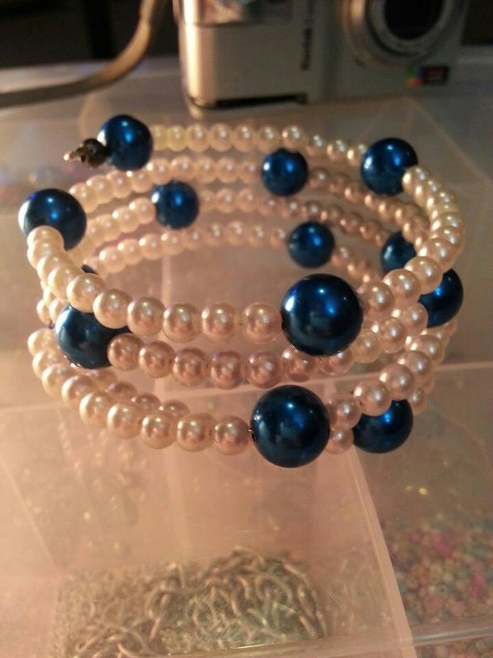 Blue and white pearl glass beaded cuff