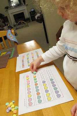 CANDY HEART PATTERNING ... Tons of Preschool Valentine's Day Activities. I also really like the word smack idea for sight words (or colors/shapes/numbers).