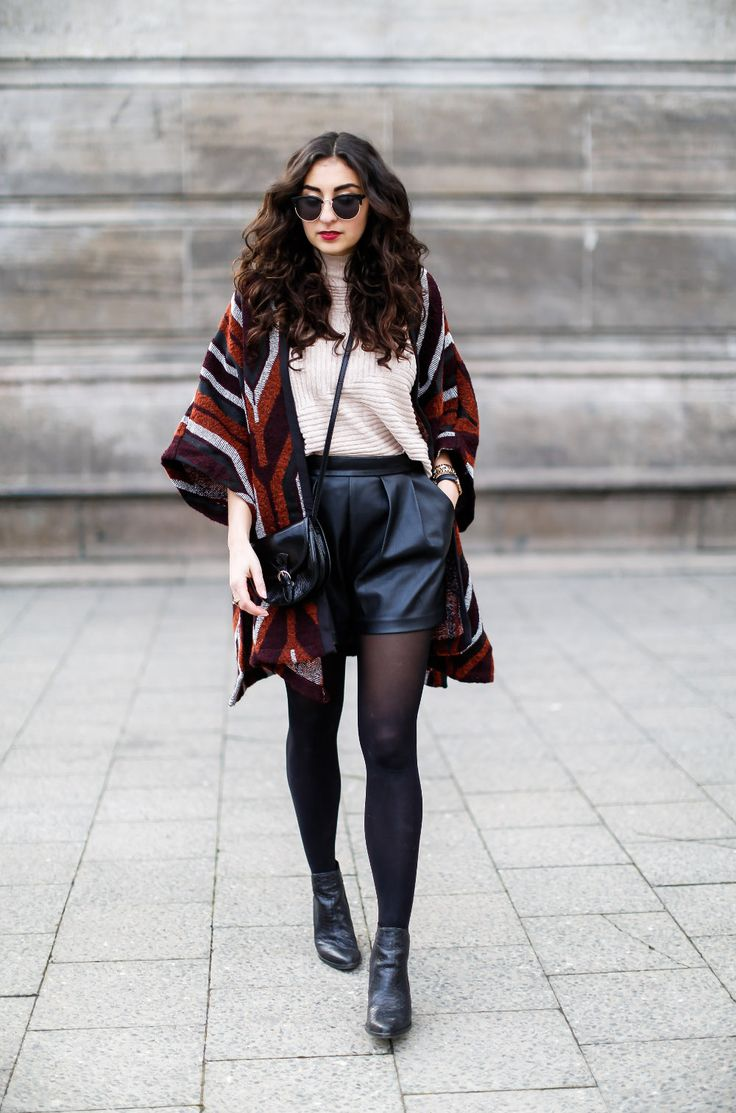best 25 leather shorts outfit ideas on pinterest leather shorts american apparel boots and h. Black Bedroom Furniture Sets. Home Design Ideas
